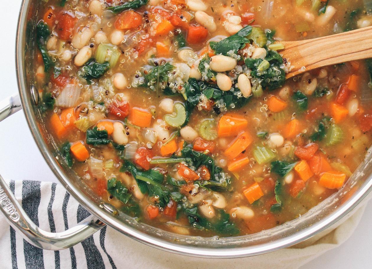 Zuppa di cavolo e quinoa
