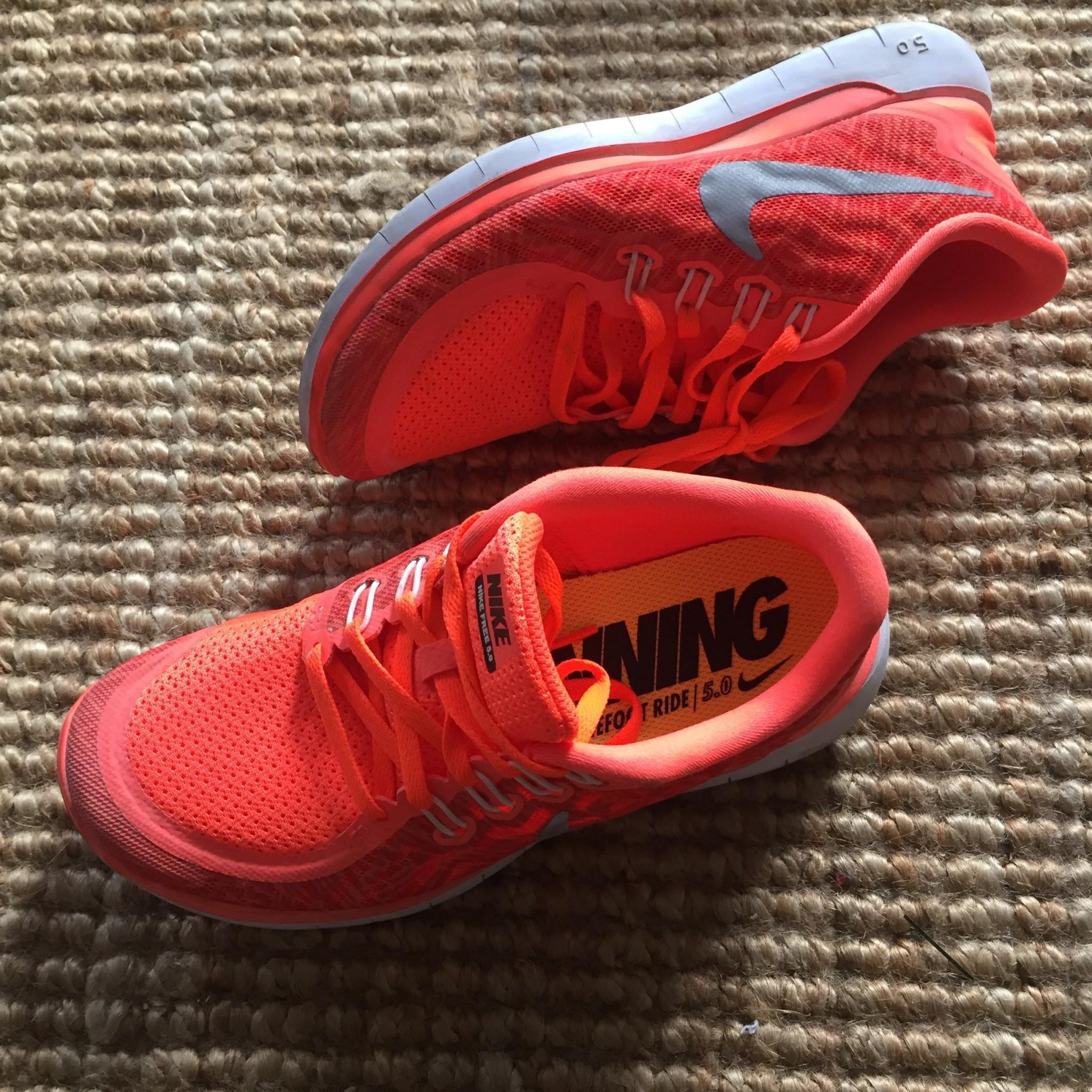 Nike arancioni